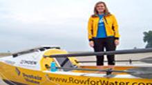 美22岁女子只身横渡<B>大西洋</B>创纪录