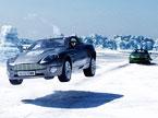 冰上赛车意外连连
