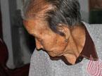 """山东97岁老太""""返老还童"""""""